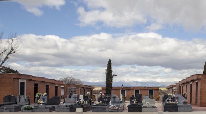 Cementerio Fuencarral tumbas - Servicios funerarios EMSFCM Madrid