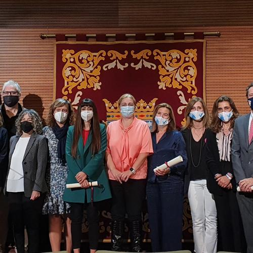 Foto de grupo entrega premios ayuda al duelo ayuntamiento de madrid